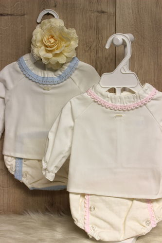 nice outfit,  in delicate colors, size  0 - 1 M / 45 - 50 cm