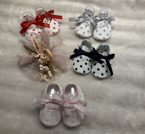 Baby shoes with points
